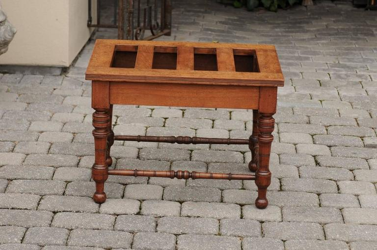 English Mahogany Luggage Rack from the Late 19th Century with Turned Legs For Sale 5