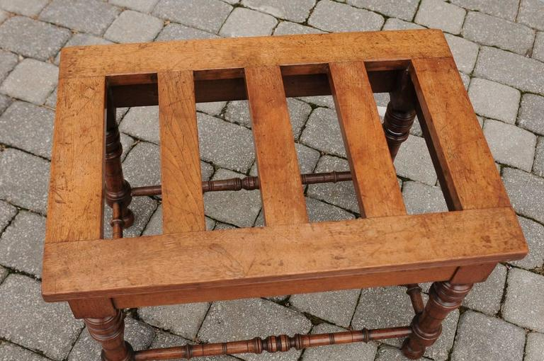 English Mahogany Luggage Rack from the Late 19th Century with Turned Legs For Sale 4