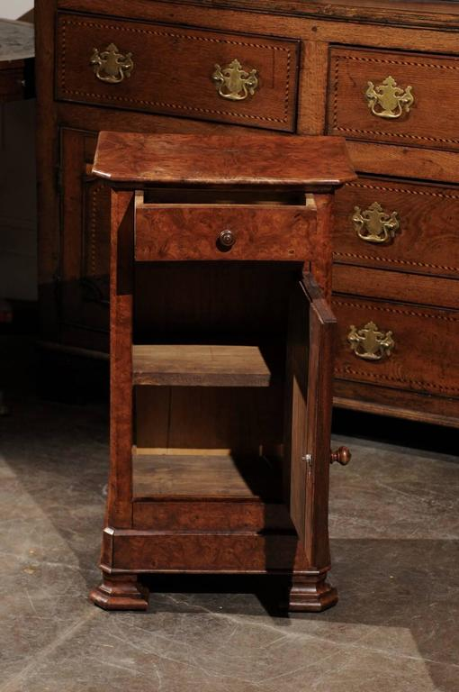 English Burl Wood Pot Cupboard from the 1880s with Single Drawer and Door For Sale 4