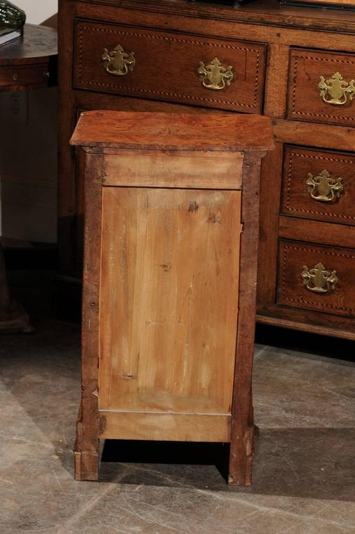 English Burl Wood Pot Cupboard from the 1880s with Single Drawer and Door For Sale 6