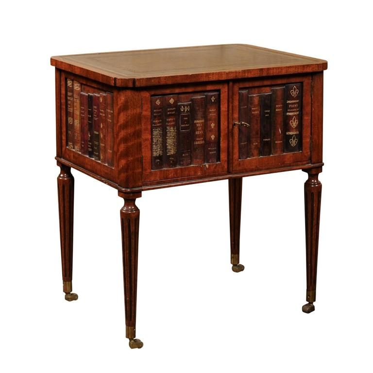 English 1920s Mahogany End Table With Leather Top And Faux Books Decor For