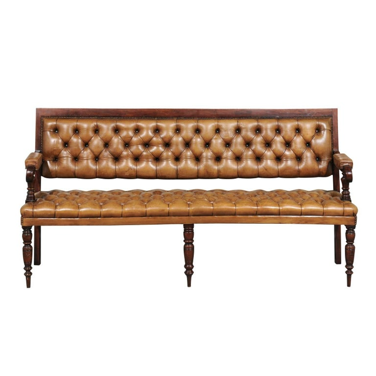 English Tufted Leather Upholstered Wooden Bench from the Late 19th Century