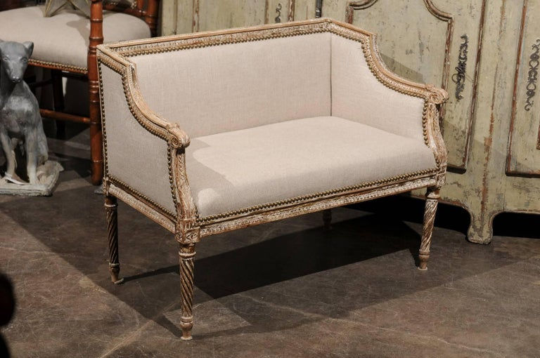 Linen Petite 1820-1840 French Louis XVI Style Upholstered Bench with Distressed Finish For Sale