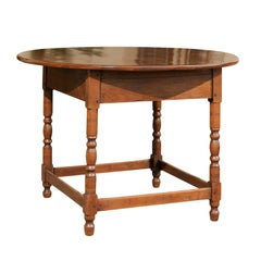 French Walnut Centre Table with Round Top and Turned Legs from the 1880s