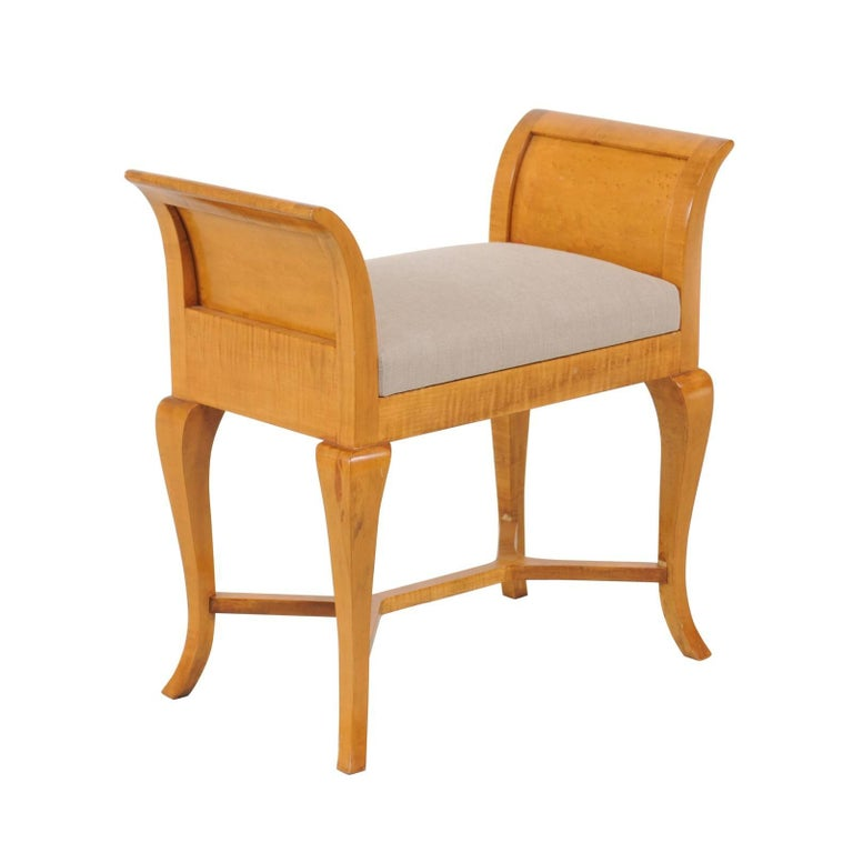 Petite Austrian Biedermeier Maple Bench with Out-Scrolled Arms from the 1840s For Sale