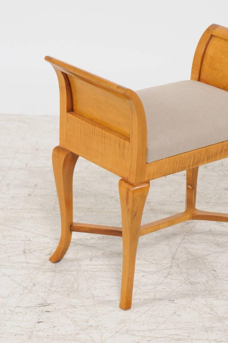 Petite Austrian Biedermeier Maple Bench with Out-Scrolled Arms from the 1840s In Good Condition For Sale In Atlanta, GA