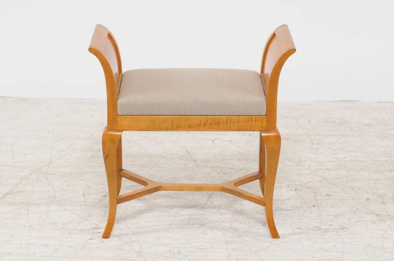 19th Century Petite Austrian Biedermeier Maple Bench with Out-Scrolled Arms from the 1840s For Sale