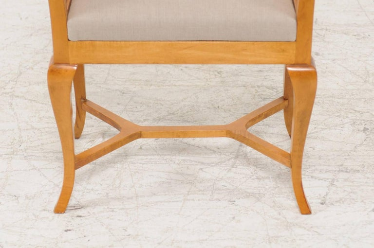 Petite Austrian Biedermeier Maple Bench with Out-Scrolled Arms from the 1840s For Sale 3
