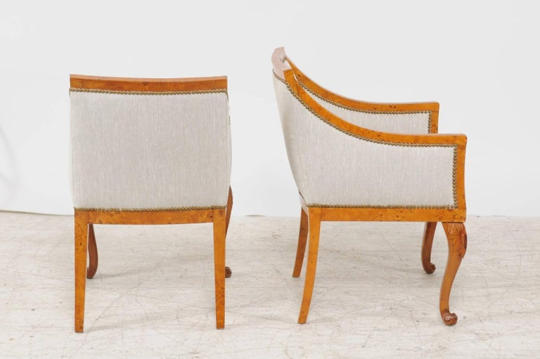 Pair of 1850s Biedermeier Austrian Burled Wood Bergères with New Upholstery For Sale 3