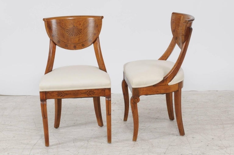 Pair of 1840s Austrian Biedermeier Upholstered Side Chairs with Marquetry Décor For Sale 2