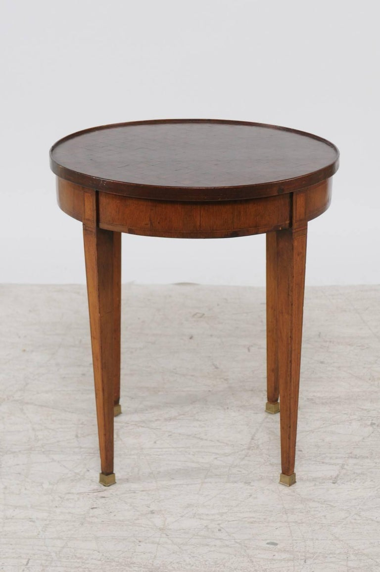 French Louis XVI Style 1870s Round Game Table with Flip Top and Tapered Legs For Sale 3