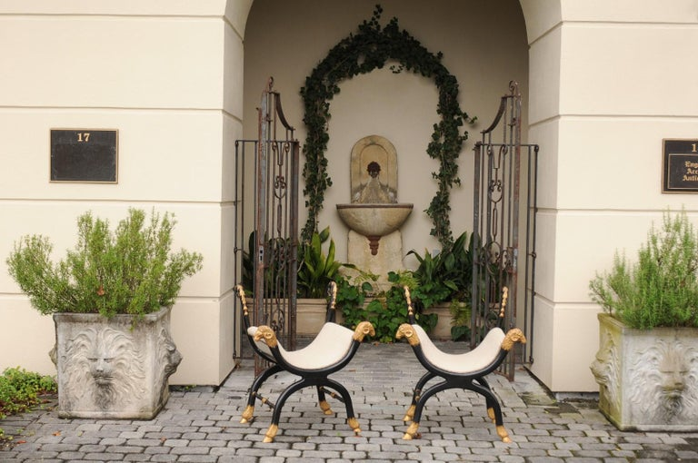 Pair of English Regency Style Ebonized and Parcel-Gilt Curule Stools, circa 1880 In Good Condition For Sale In Atlanta, GA