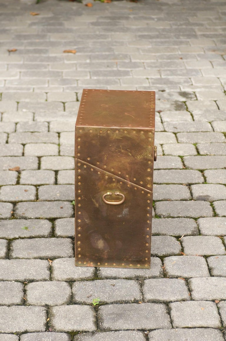 Vintage English Brass-Plated Box with Stud Trim from the Mid-20th Century For Sale 3