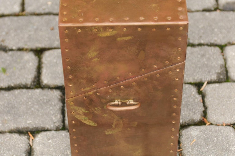 Vintage English Brass-Plated Box with Stud Trim from the Mid-20th Century For Sale 7