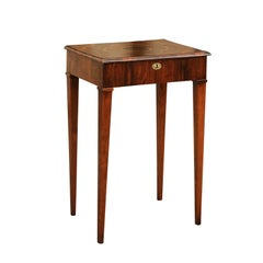 Italian 1820s Walnut Side Table with Oyster Veneer and Inlaid Quadrilobe Motif