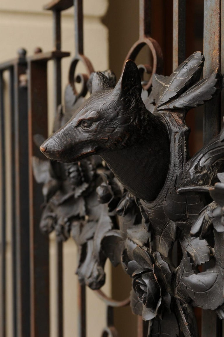 20th Century European Hand Carved Wall Decor with Fox Head and Foliage, circa 1900 For Sale