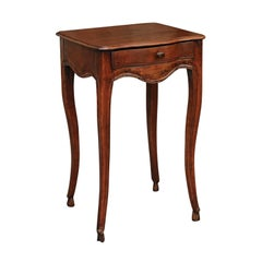 French Louis XV Style 1800s Walnut Side Table with Scalloped Apron and Drawer