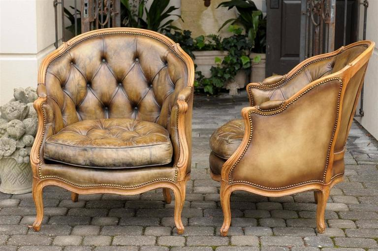 Pair of 1940s French Louis XV Style Tufted Leather Barrel Back Bergeres Chairs For Sale 1