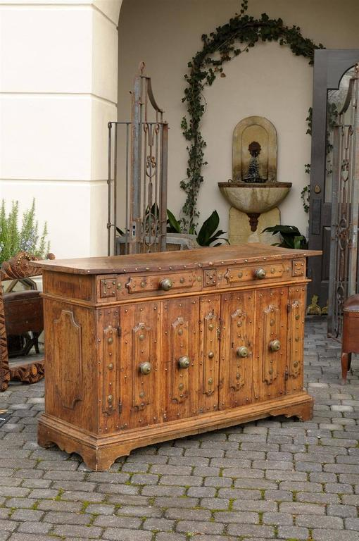 17th Century Italian Walnut Credenza or Buffet from Bologna In Good Condition For Sale In Atlanta, GA