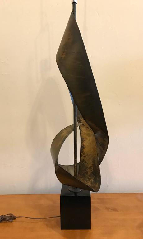Brutalist Ribbon Sculpture Lamp by Harry Balmer for Laurel 5