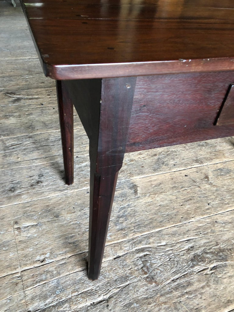 English Colonial Serving Table in Cuban Mahogany, 19th Century For Sale 7