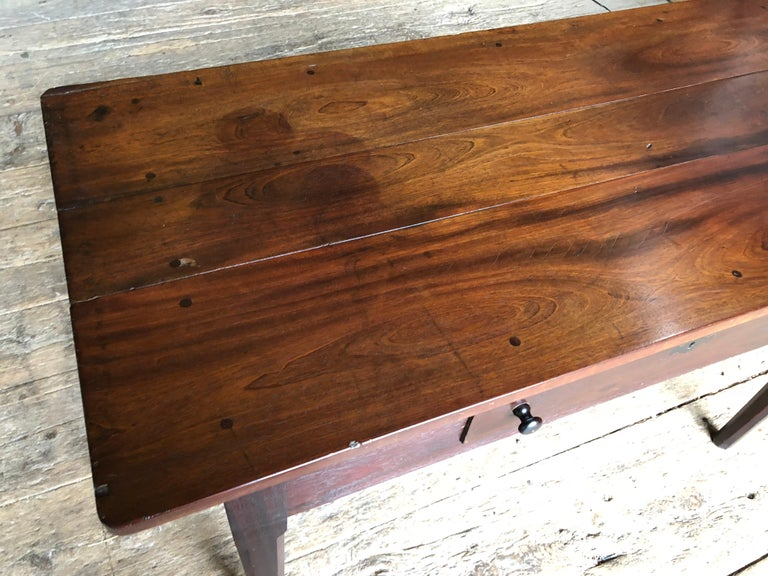 English Colonial Serving Table in Cuban Mahogany, 19th Century For Sale 5