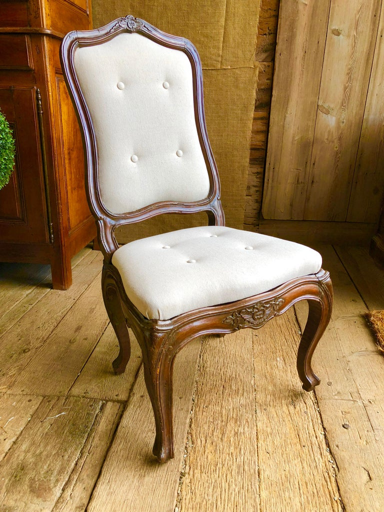 Hand-Carved Set of Six Italian Louis XV Style Dining Chairs, circa 1800 For Sale