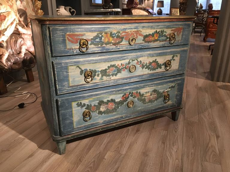 Early 19th Century Painted Commode, Continental In Good Condition For Sale In Doylestown, PA