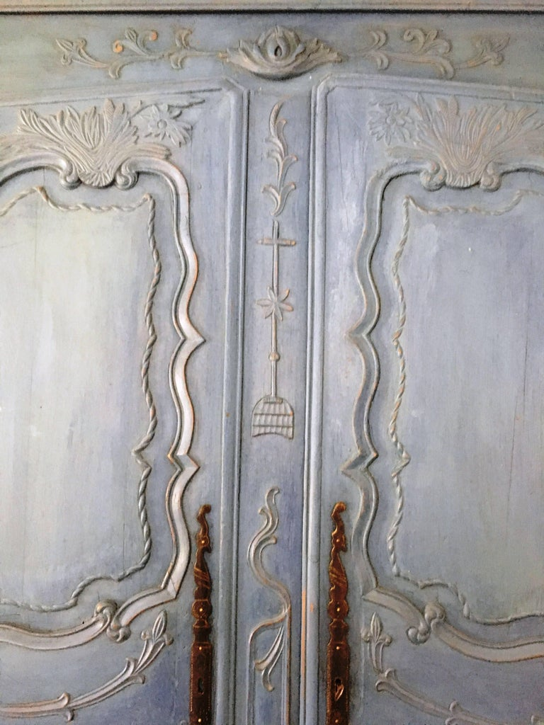 French Louis XV Period Armoire, circa 1780 In Good Condition For Sale In Doylestown, PA