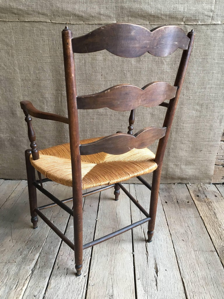 20th Century Pair of French Provincial Armchairs with Rush Seats For Sale