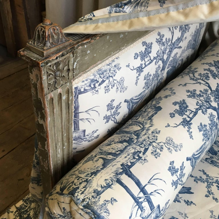 French Louis XVI Canopy Bed, Early 19th Century In Good Condition For Sale In Doylestown, PA