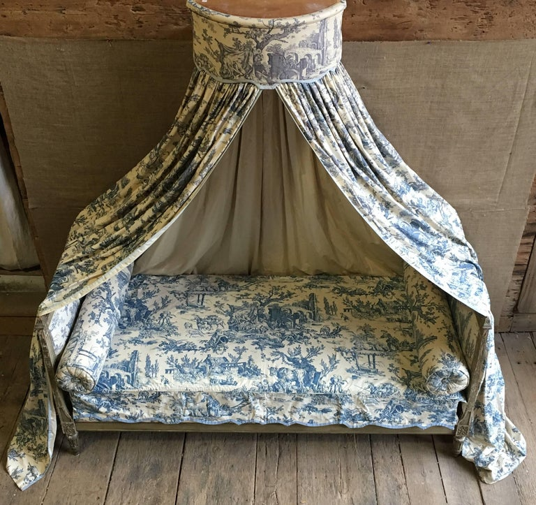 French Louis XVI Canopy Bed, Early 19th Century For Sale 5