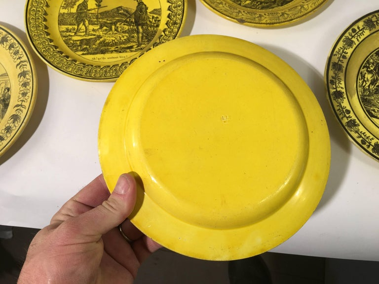Group of Eight Yellow Creil et Montereau Plates, French Empire For Sale 1