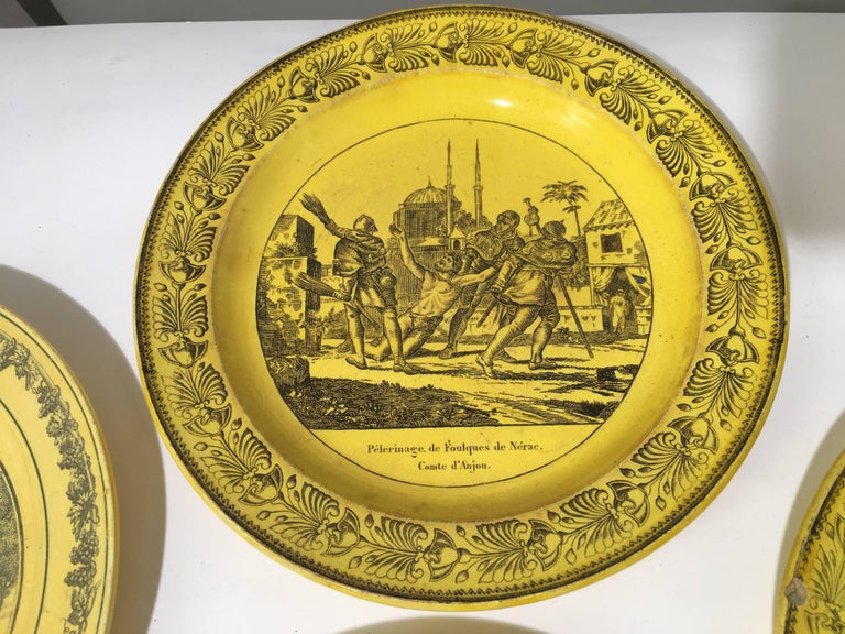 Group of Eight Yellow Creil et Montereau Plates, French Empire In Good Condition For Sale In Doylestown, PA