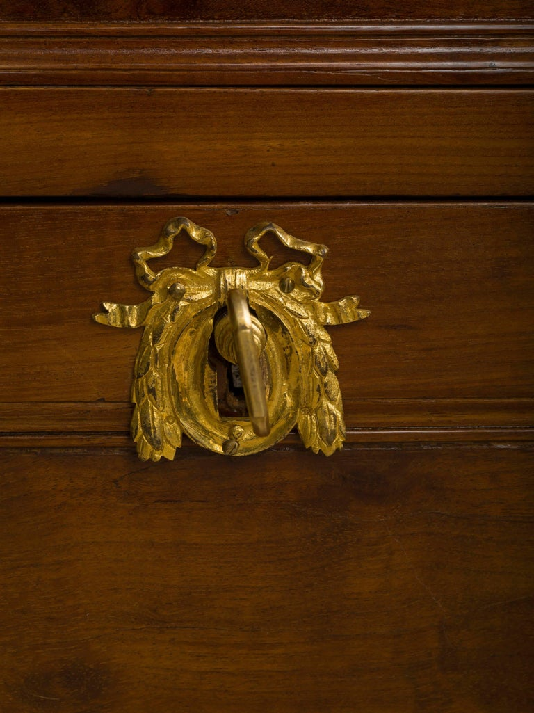 Louis XVI Ormolu-Mounted Mahogany Secrétaire en Cabinet by Jean-Francois Leleu In Excellent Condition For Sale In Boston, MA
