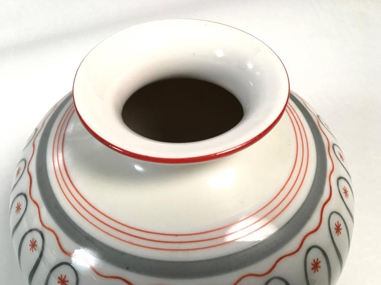 Mid-20th Century Art Deco German Porcelain Vase, circa 1930 For Sale