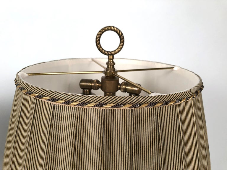 Pair of French Neoclassical Brass and Steel Lamps by Neuberger, Paris For Sale 2