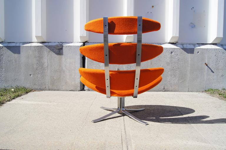 Corona Chair, Model EJ-5, by Poul M. Volther for Erik Jørgensen In Good Condition For Sale In Boston, MA
