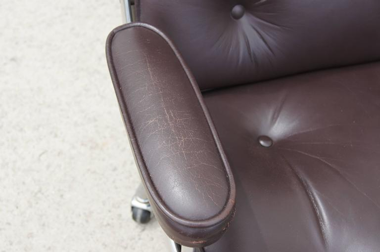 Mid-20th Century Time-Life Executive Chair by Charles and Ray Eames for Herman Miller For Sale