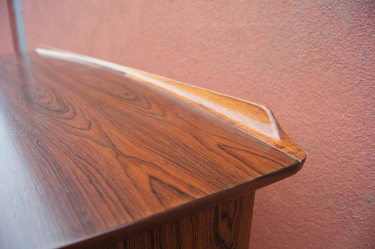 Rosewood Desk, Model SH 180, by Svend Aage Madsen for Sigurd Hansen In Excellent Condition For Sale In Boston, MA