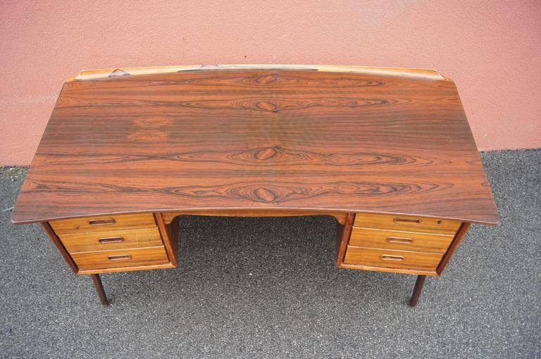Mid-20th Century Rosewood Desk, Model SH 180, by Svend Aage Madsen for Sigurd Hansen For Sale