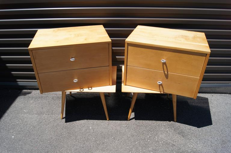 Pair of Planner Group Nightstands by Paul McCobb for Winchendon Furniture In Good Condition In Boston, MA