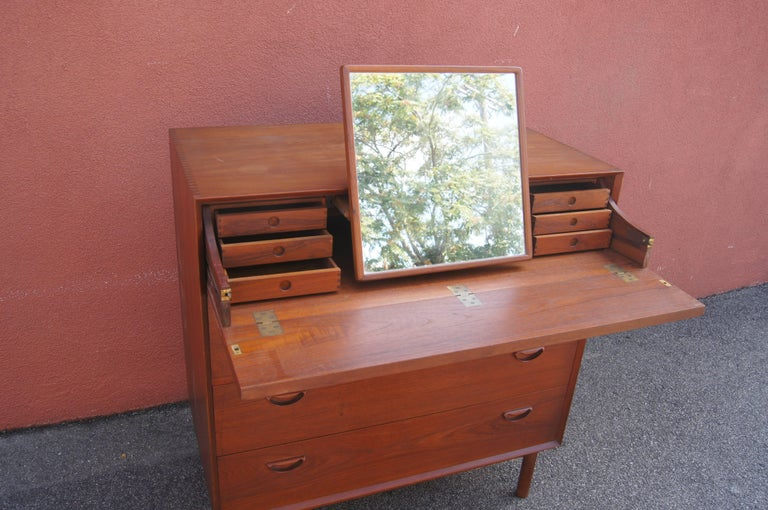 Mid-20th Century Teak Gentleman's Dresser with Mirror by Peter Hvidt and Orla Mølgaard-Nielsen For Sale