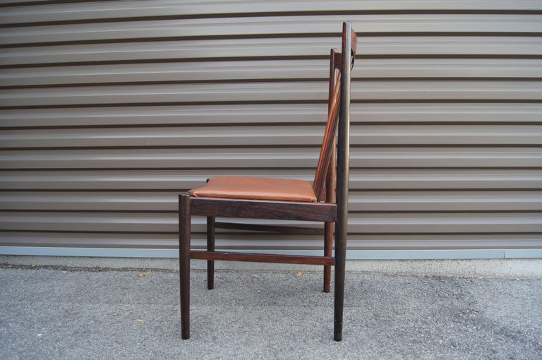 Scandinavian Modern Set of Six Rosewood Dining Chairs by Arne Vodder for Sibast For Sale