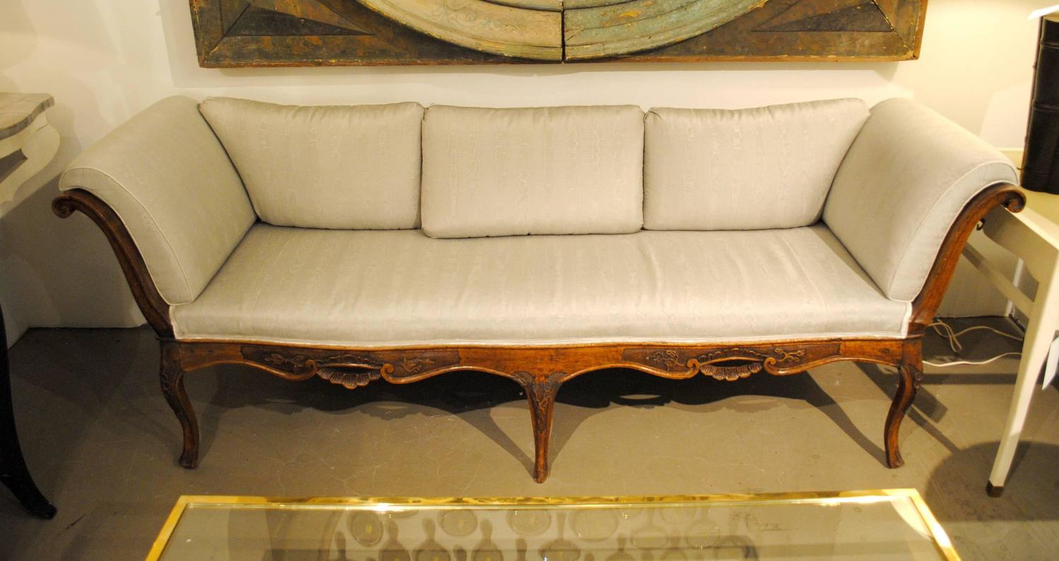 italian gondola sofa for sale at 1stdibs. Black Bedroom Furniture Sets. Home Design Ideas
