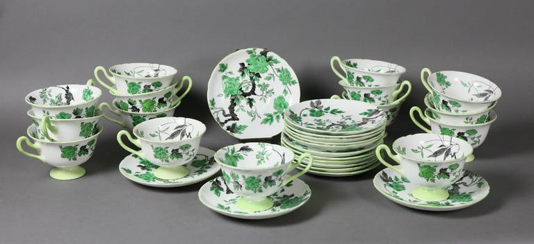 Mid-20th Century Large Shelley Chippendale Pattern Dinner Service For Sale