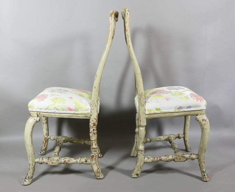 Pair of Swedish Rococo Painted Side Chairs In Good Condition For Sale In Essex, MA