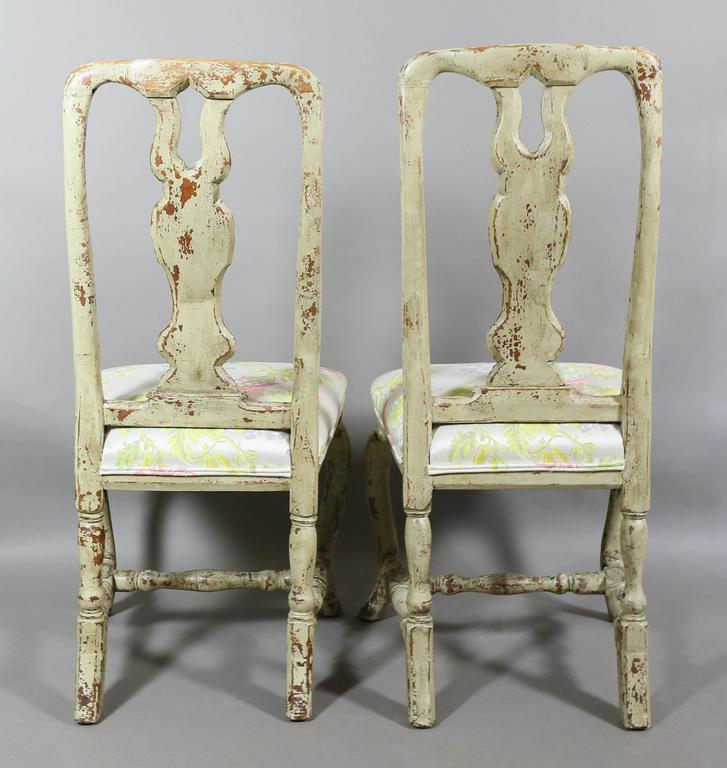 Mid-18th Century Pair of Swedish Rococo Painted Side Chairs For Sale