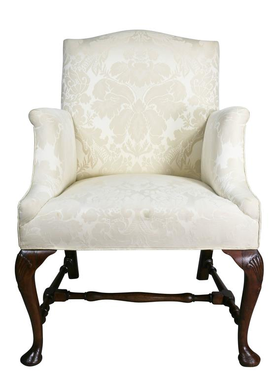 George I Walnut Armchair In Good Condition For Sale In Essex, MA