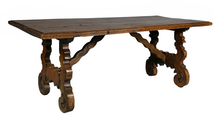Spanish colonial style walnut coffee table for sale at 1stdibs - Table basse style colonial ...